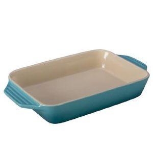 Le rectangular dish medium size bran new